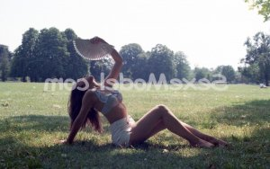 Sophy sexemodel massage naturiste